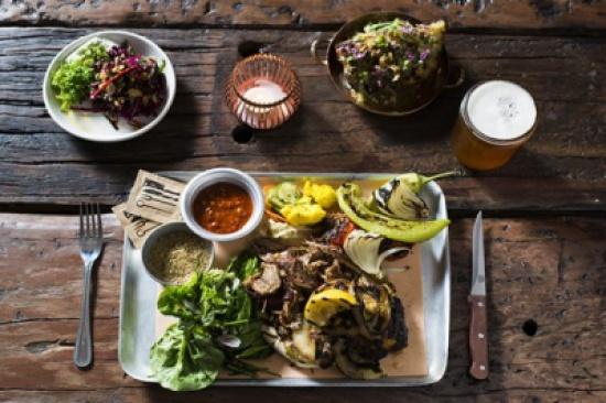 """نجل الوليد بن طلال يعتزم فتح 10 مطاعم نباتية في 6 دول عربية من بينها """" الاردن """""""