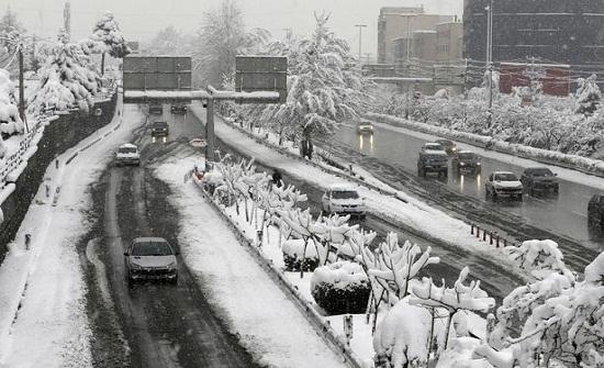 الثلج يكسو الصحاري السعودية ويحولها للون الأبيض (فيديو وصور)