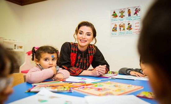 الملكة رانيا تلتقي عدداً من الفعاليات النسائية في معان