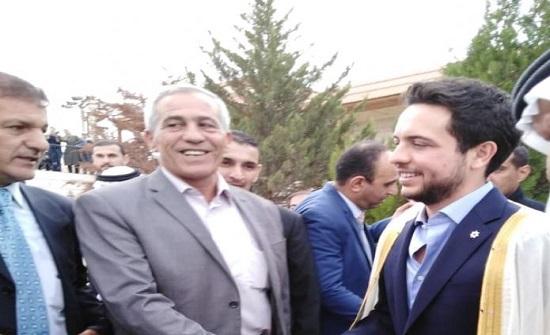 بالفيديو : الأمير الحسين في منزل الشيخ حماد المعايطة بالكرك