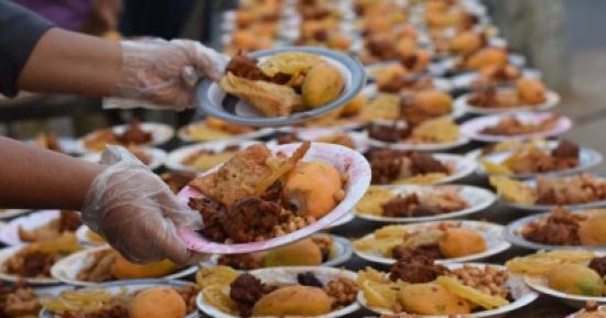 ادارة السير تنظم افطارا رمضانيا ميدانيا على دوار المدينة الرياضية