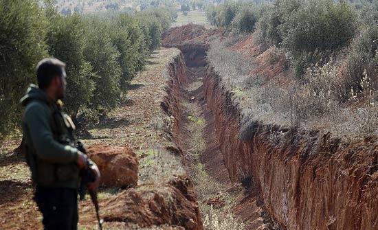"""سوريا.. اكتشاف خندق كبير بالمنطقة المحررة من """"عفرين"""""""