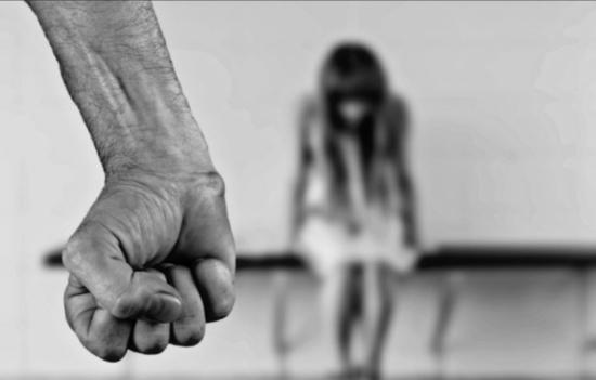 أخبروها أن ابنتها تتعرّض للاغتصاب.. ولما بحثت عنها وقعت الكارثة !