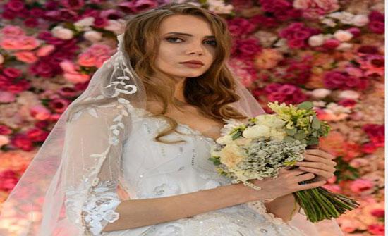 """بالصور .. فساتين المصمّمة منى المنصوري تبهِر الحضور في """"عروس الفجيرة"""""""