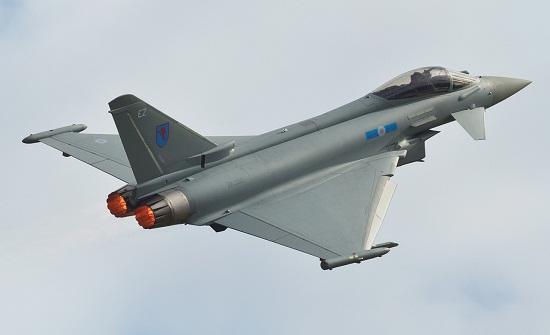 بريطانيا ترسل مقاتلتين من طراز تايفون لاعتراض طائرات روسية