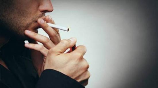 ما العلاقة بين التدخين وتركيب الدماغ؟
