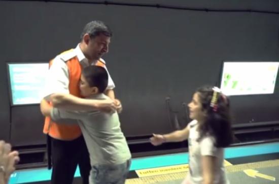 في يوم الاب ...آباء لم يتمكنوا من حبس دموعهم بسبب ما فعله اولادهم!