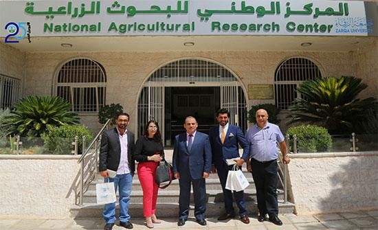 وفد من حاضنة الاعمال يزور المركز الوطني للبحوث الزراعية