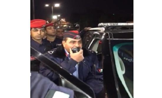 بالفيديو .. مسؤول أمني للمعتصمين في الرابع : سنفض الاعتصام اذا خرج عن سلميته