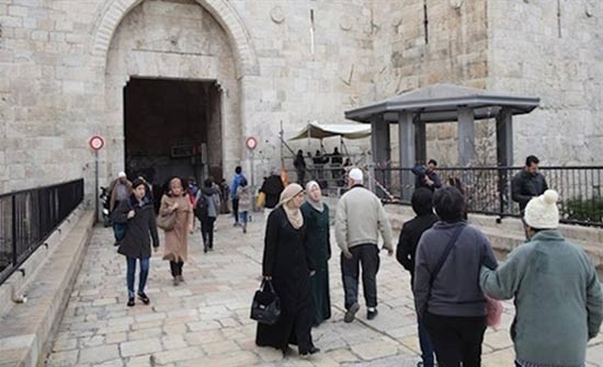 الاحتلال ينصب برج مراقبة ونقطة عسكرية في باب العامود بالقدس