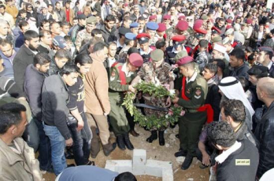 تشييع جثمان الشهيدين النواصرة والزواهرة ( صور )