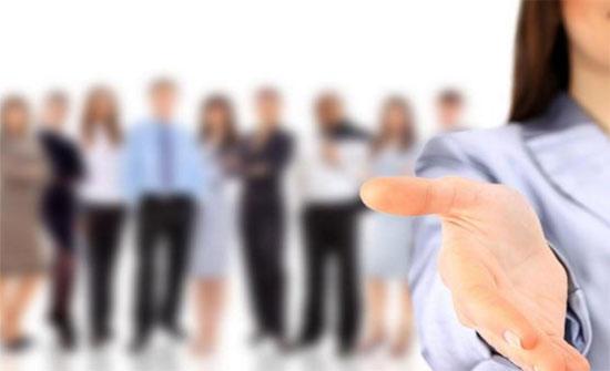 2100 فرصة عمل بمعرض للتوظيف في عمان