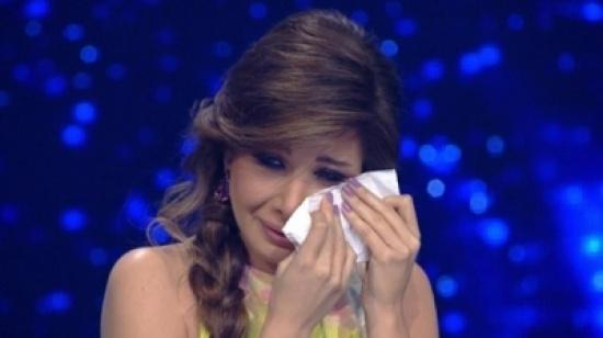 بالفيديو - نانسي عجرم تبكي أحلام