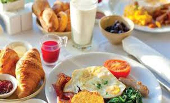 تعرف على الموعد المناسب لتناول الإفطار