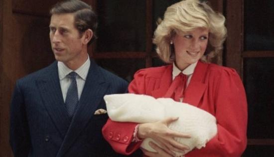 تسريب رسالة سرّية من الأميرة ديانا.. هذا ما فعله وليام بعد ولادة هاري!