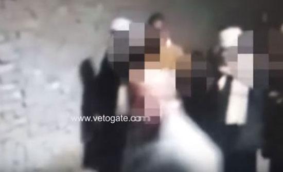الأهالي يضبطون أمين الشرطة مغتصب فتاة بمصر (فيديو)