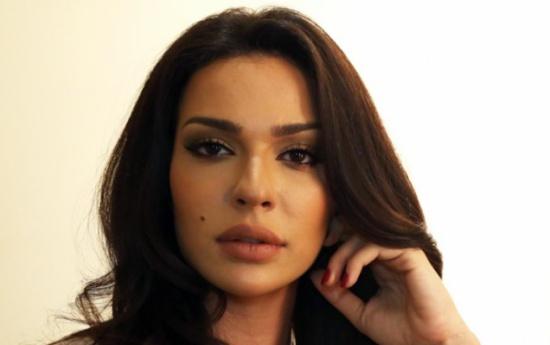 نادين نجيم تكشف اسرارا عن والدها وامها وكيف تزوجا خطيفة