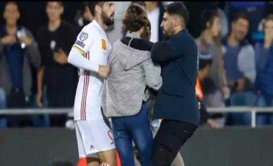 معجزة أنقذت لاعب ريال مدريد من القتل طعنا على يد مشجع إسرائيلي! ( فيديو )