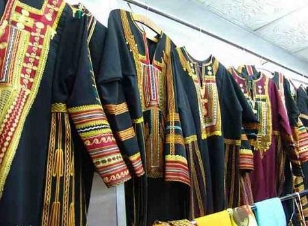 دورات تدريبية بالكرك حول صناعة الملابس الشعبية