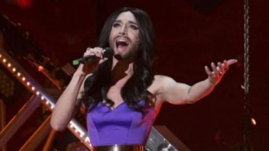 المغنية الملتحية كونشيتا فورست تعلن إصابتها بالإيدز