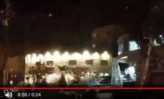 شاهدوا بالفيديو : تماس كهربائي واسع في الهاشمي الشمالي