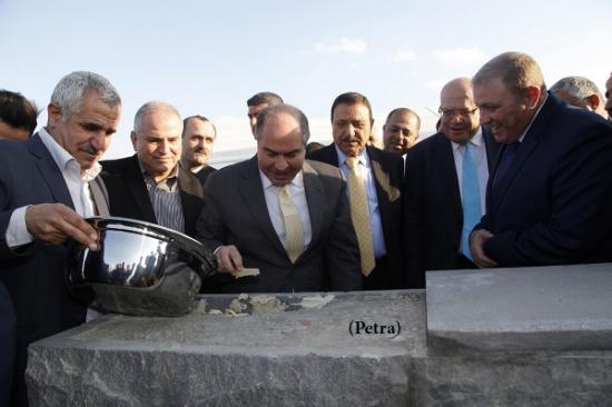الملقي يضع حجر الاساس لمشروع مركز جمرك عمان الجديد بالماضونة