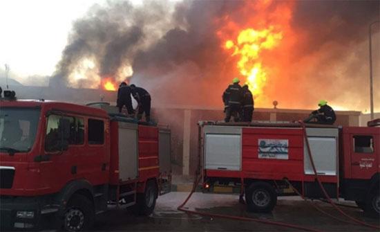 3 إصابات بحريق داخل مصنع شيبس في عمان..صور