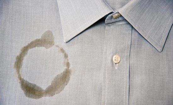 5 طرق مذهلة للتخلّص من بقع الزيت على الملابس