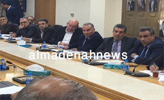 بالصور : اللجنة المالية تناقش الموازنة مع الحكومة