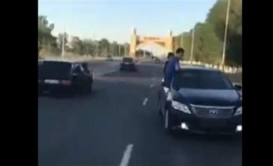 حادث تصادم مروع بسبب تهور سائق في بلد اجنبي  (فيديو)
