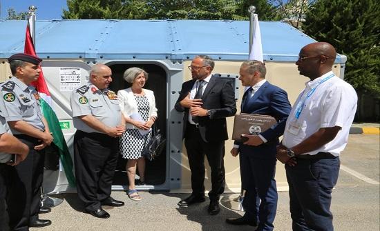 مفوضية الأمم المتحدة في الأردن تمنح الدفاع المدني 600 وحده سكنية