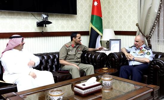 اللواء البزايعه يلتقي الملحق العسكري لدولة الكويت في الأردن