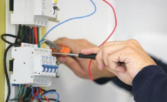 ضبط 22789 حالة سرقة تيار كهربائي في 2017