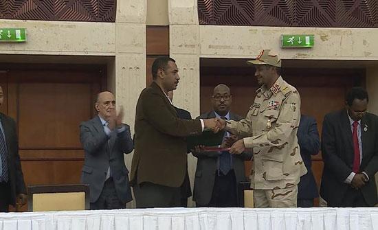 القاهرة..مباحثات بين فرقاء السودان قبيل توقيع الدستورية