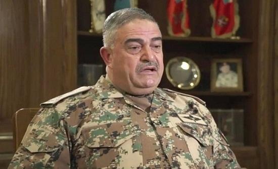 رئيس هيئة الأركان المشتركة يستقبل وفداً عسكرياً إماراتياً