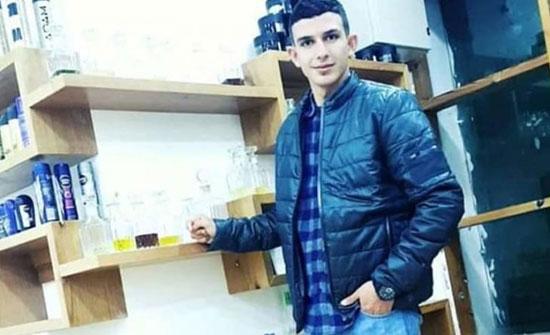 صورة : اردني يعتمر عن روح الشهيد ابو ليلى