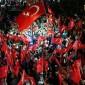 المعارضة التركية تتظاهرة بإسطنبول.. ولقاء تاريخي مرتقب بين أردوغان وخصومه السياسيين