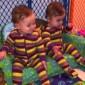 بالفيديو: أطرف «وصلة رقص» بين طفلتين توأم