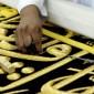 تعرف على مراحل تجهيز كسوة الكعبة وكميات الذهب والفضة المستخدمة في تطريزها