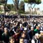 """مسلمو إيطاليا يستأجرون أماكن للصلاة بعد إغلاق خمسة مساجد """"صور"""""""