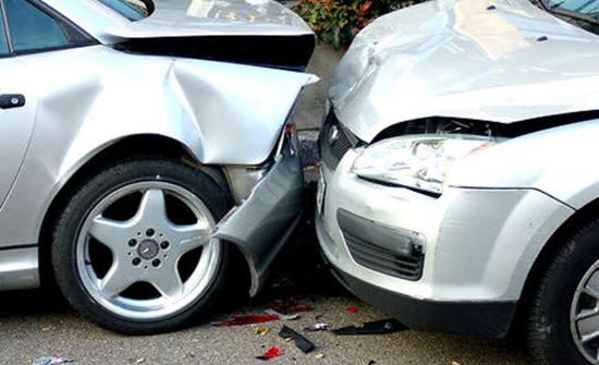 5 إصابات في حادث تصادم بجرش