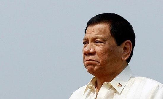 الرئيس الفلبيني: لن نسمح بنشر صواريخ أمريكية على أراضينا