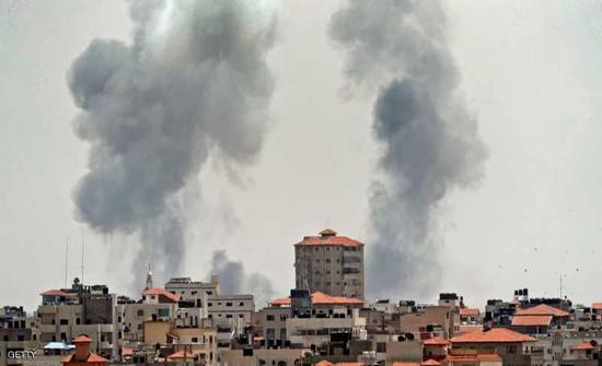 غارات إسرائيلية على غزة وحماس ترد بالقذائف