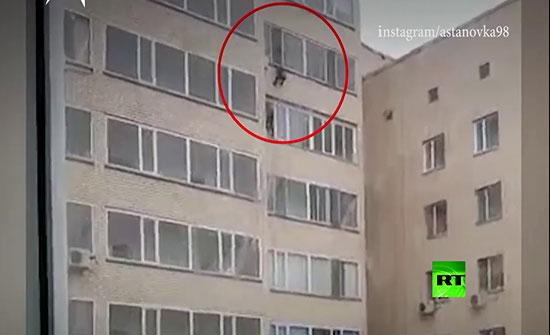 شاهد : العناية الإلهية تنقذ طفلا سقط من الطابق العاشر!