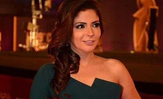 ممثلة مصرية تتمنى الزواج من منى زكي