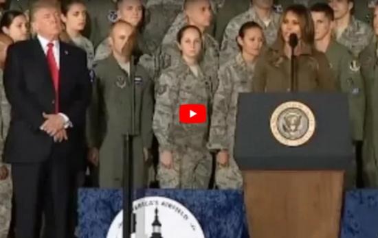 بالفيديو - دونالد ترامب يهين ميلانيا على العلن... شاهدوا ماذا فعل بها!