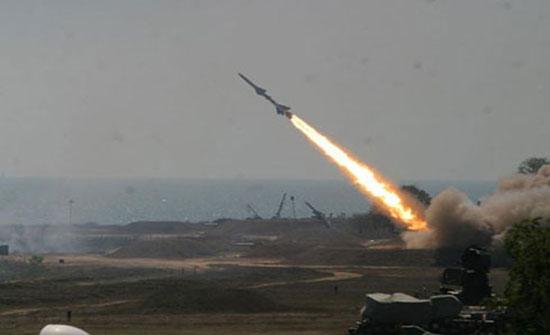 إسرائيل تطوّر صواريخ تطال أهدافاً في لبنان وسورية
