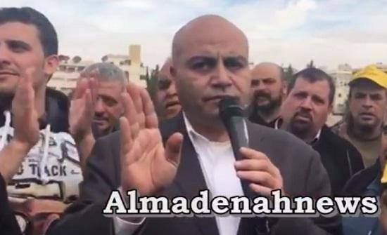 بالفيديو : شاهد ماذا قال النائب صداح الحباشنة للمزارعين المعتصمين أمام مجلس النواب