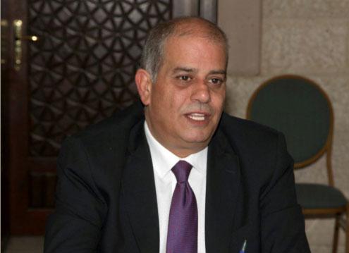 الطراونة يتسلم نسخة من استراتيجية المعهد العربي لحقوق الانسان
