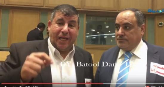 فيديو : السعود يوزع ملصقات الأسرى على النواب ويطالب  بتجميد عضوية الكنيست